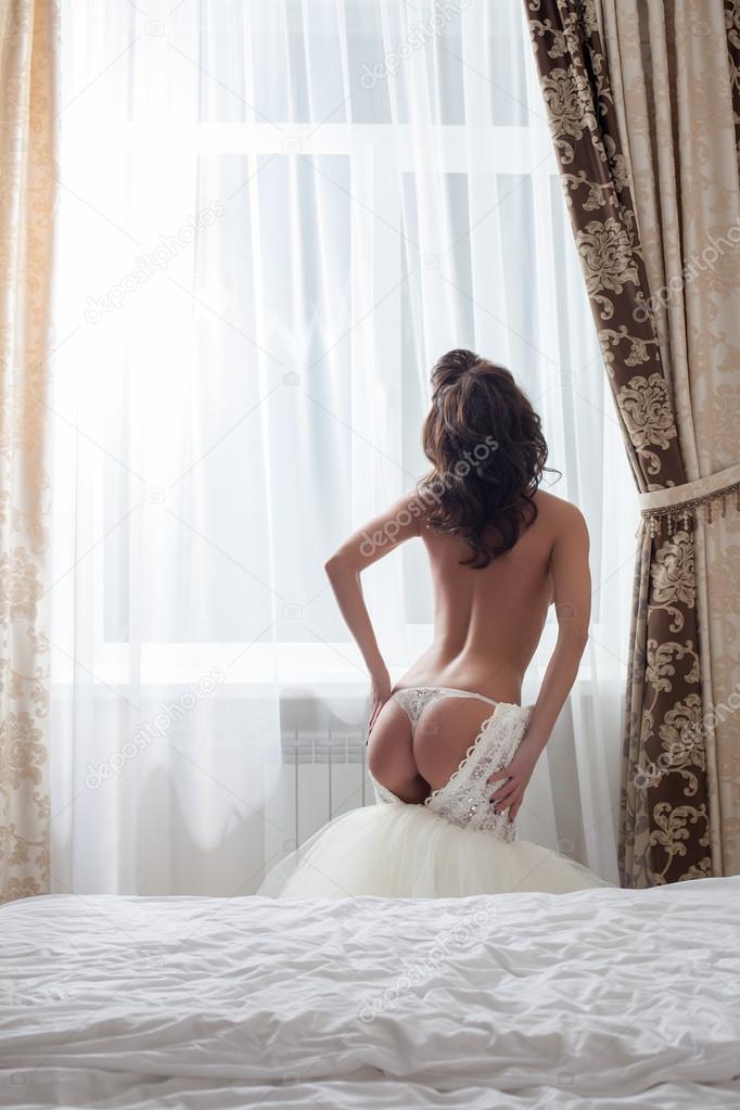 фото невест в голом виде