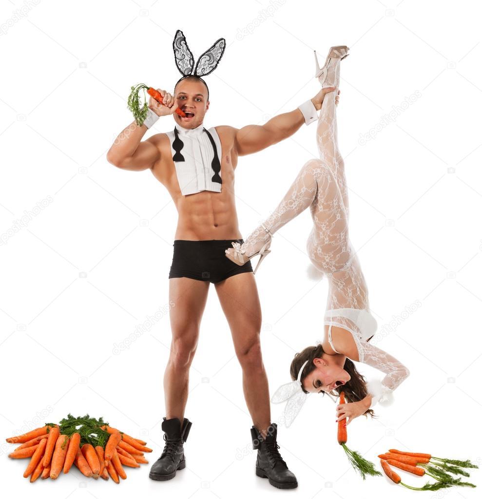 Мужчина в костюме зайца картинки